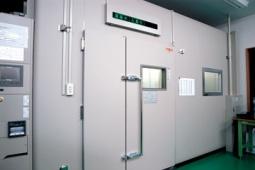 恒温恒湿室(エスペック社製×2基/いすず製作所製×1基)