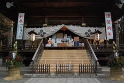 弊社と同じ下諏訪町の諏訪大社下社の神楽殿です